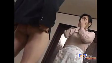 Man wants to fuck of his Japanese milf