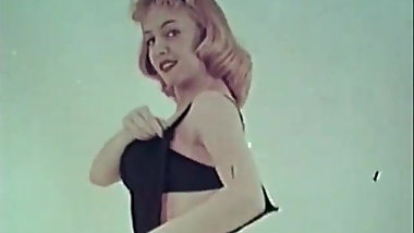Hot Sweetie Shows Us Her Tight Body (1950s Vintage)