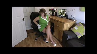 stockingbabe_138_Vintage green dress HQ